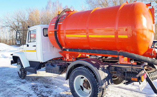 Цена откачки канализации в Брянске <span>перед началом дачного сезон всего 1000 рублей!</span>